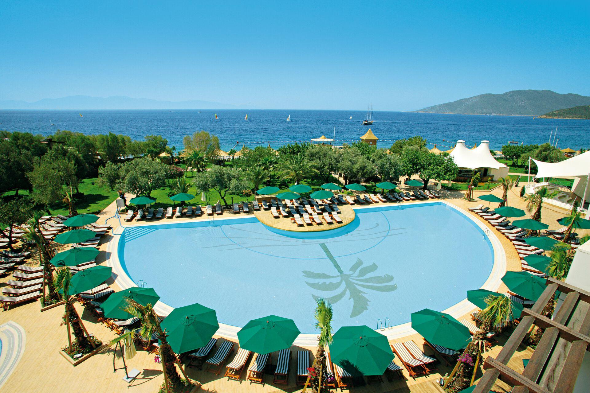 Latanya Park Resort - 4*