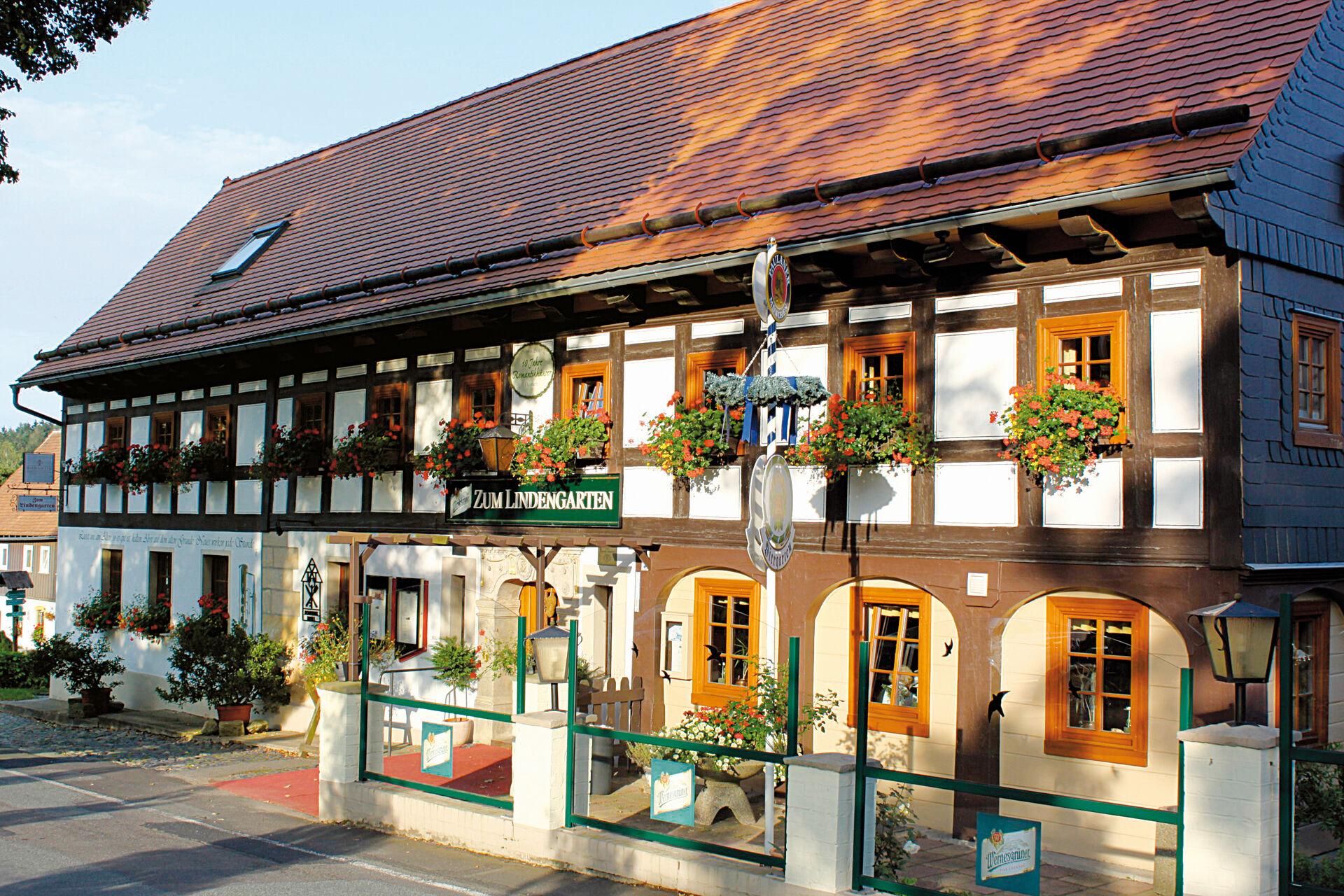Herzlich Willkommen in Ihrem Romantik Hotel Zum Lindengarten!