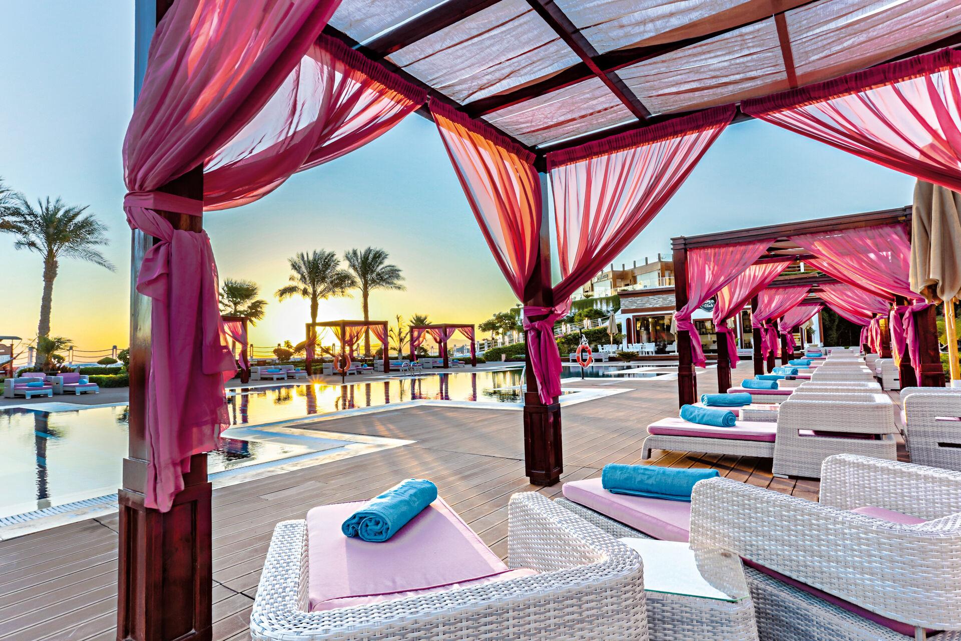 SUNRISE Arabian Beach Resort -Grand Select- - 5*