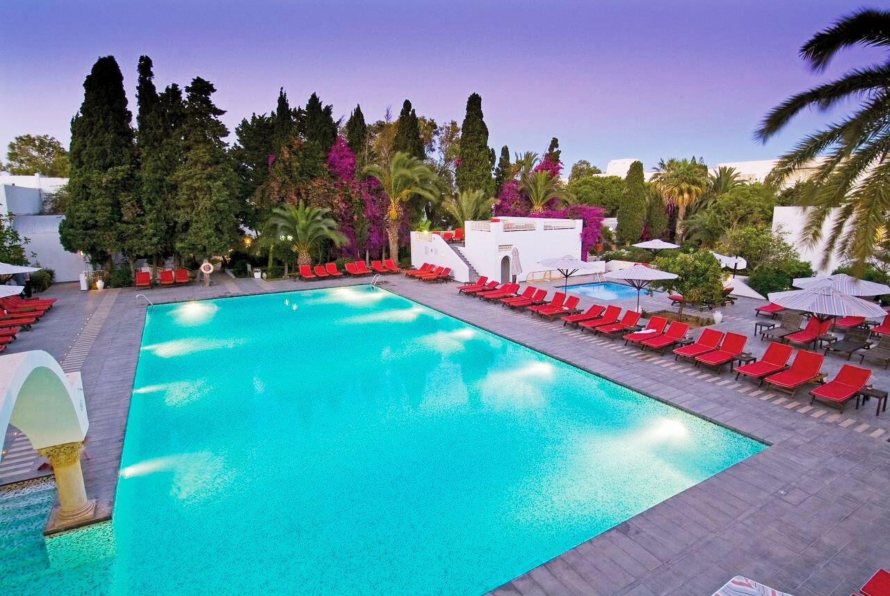 Hôtel Les Orangers Beach Resort 4*