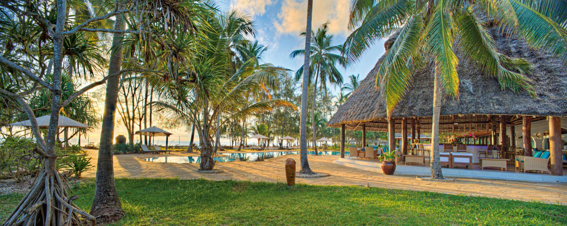 Bluebay Beach Resort & Spa - 4*