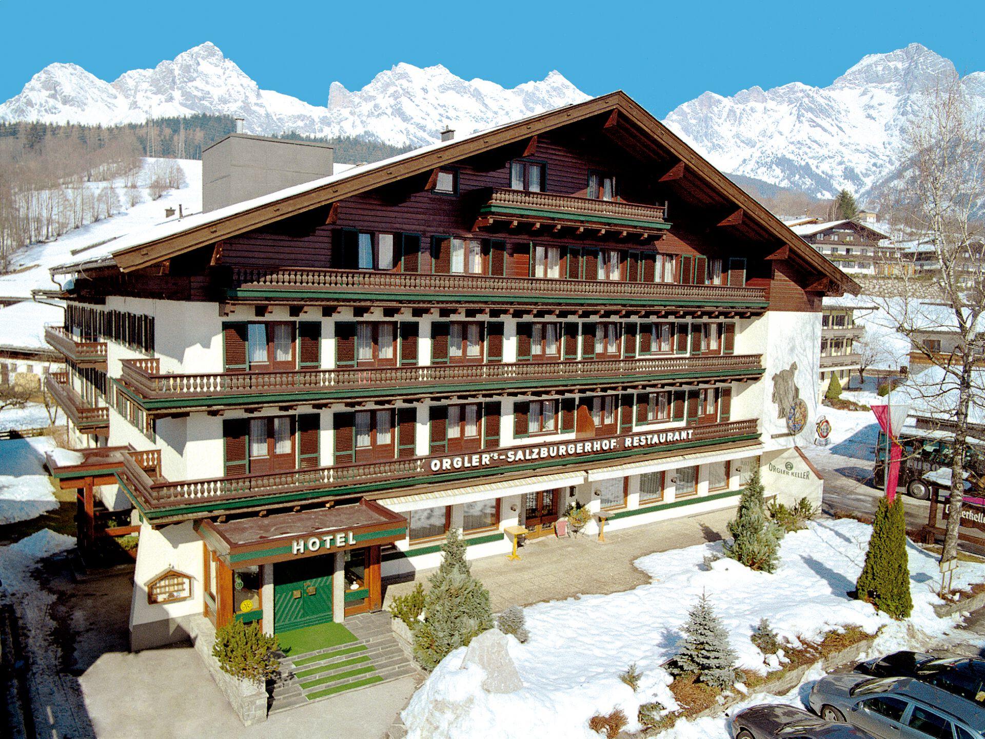 Herzlich Willkommen in Ihrem 3* Hotel Salzburgerhof