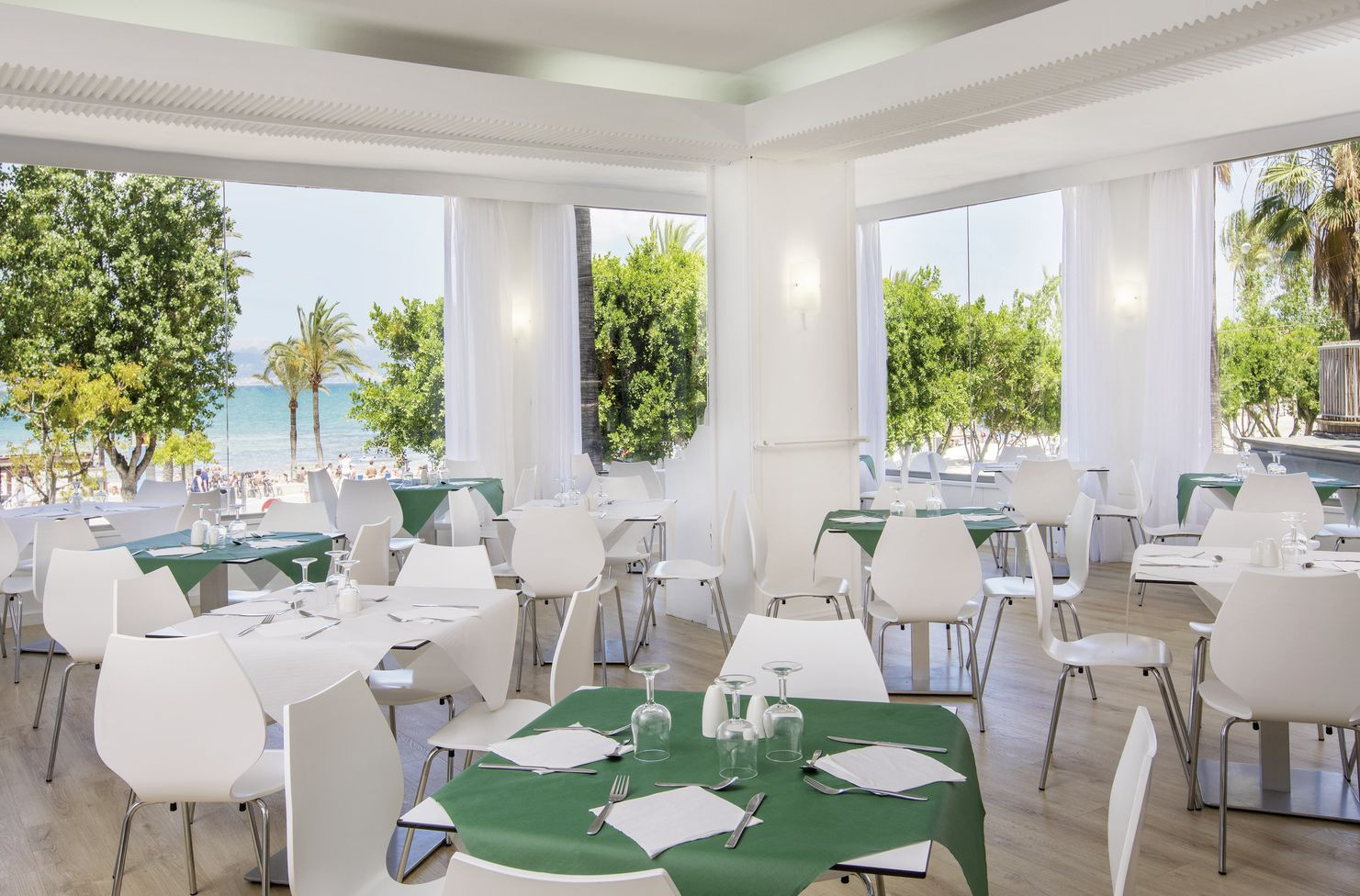 Hôtel whala beach 3*