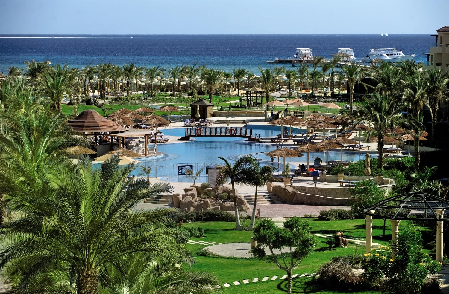 Amwaj Blue Beach Resort & Spa - 4*
