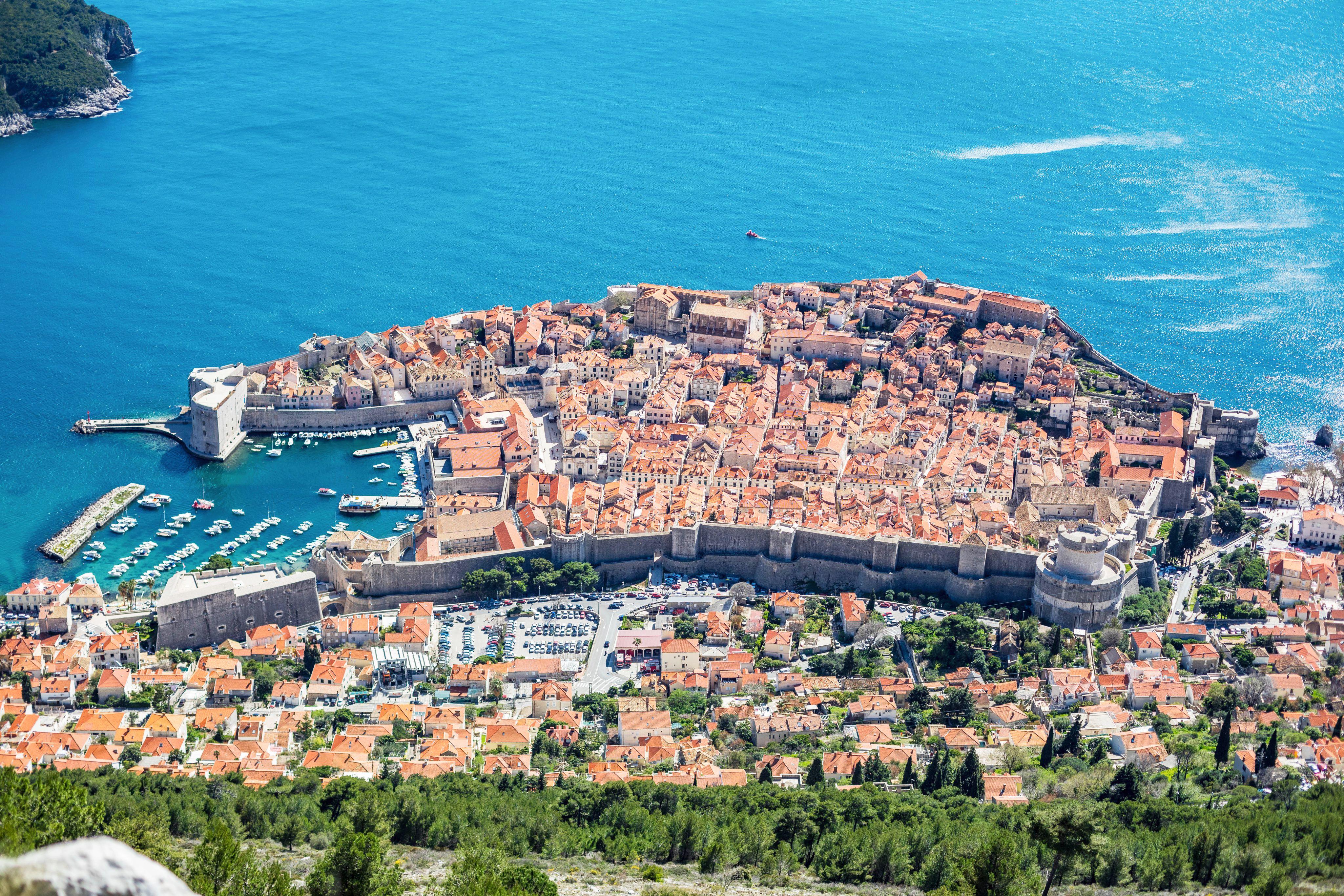 Hotel Lero Dubrovnik**** & Leading Hotel of the World The Chedi Lustica Bay Montenegro*****
