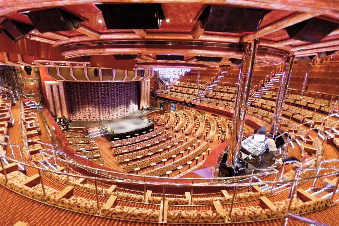 Costa Favolosa-Theater ©Costa