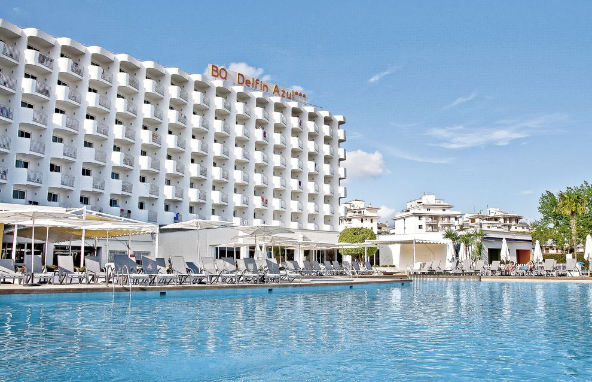 Herzlich Willkommen in Ihrem 4-Sterne Hotel BQ Delfin Azul