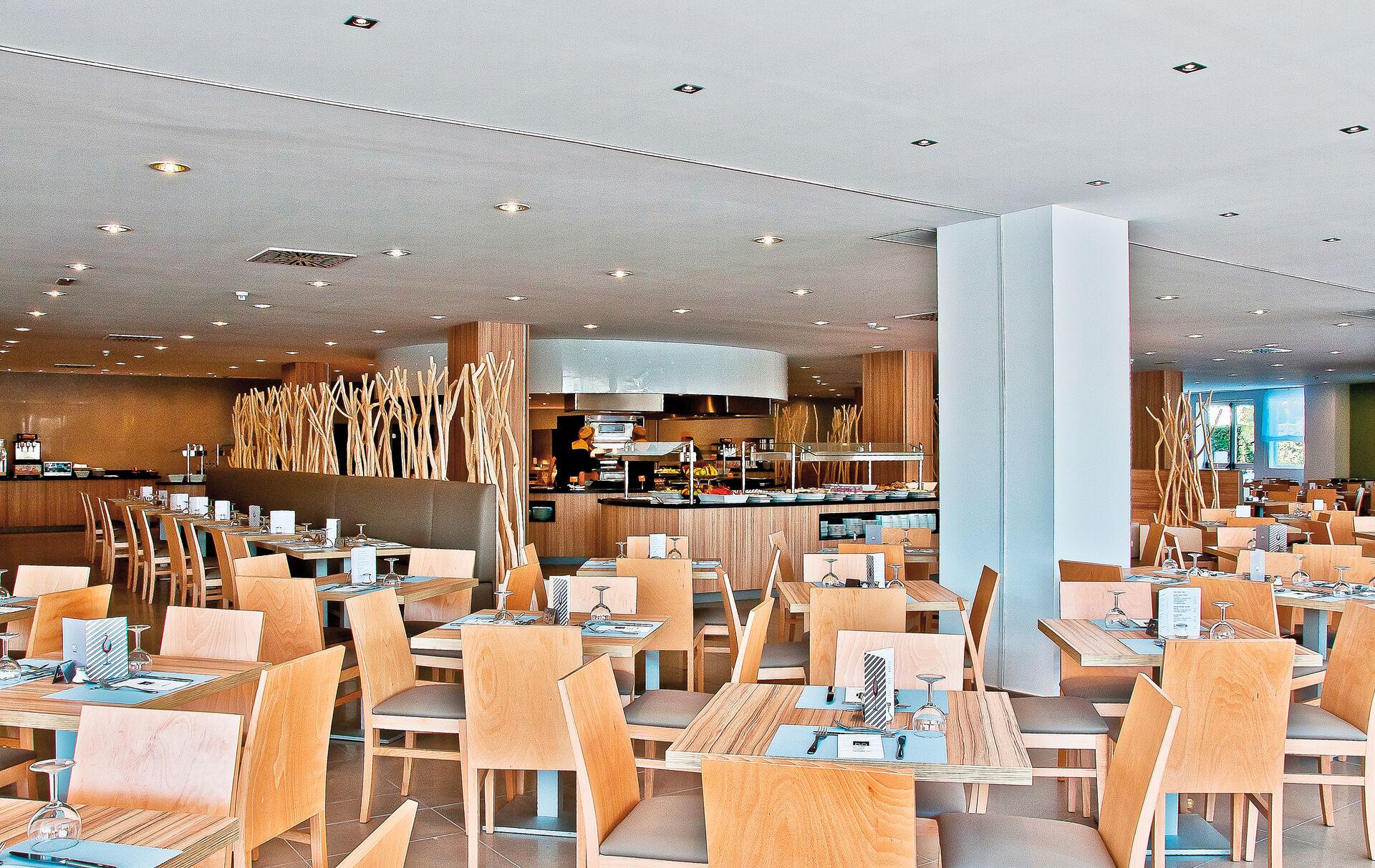 Restaurant in Ihrem 4-Sterne Hotel BQ Delfin Azul