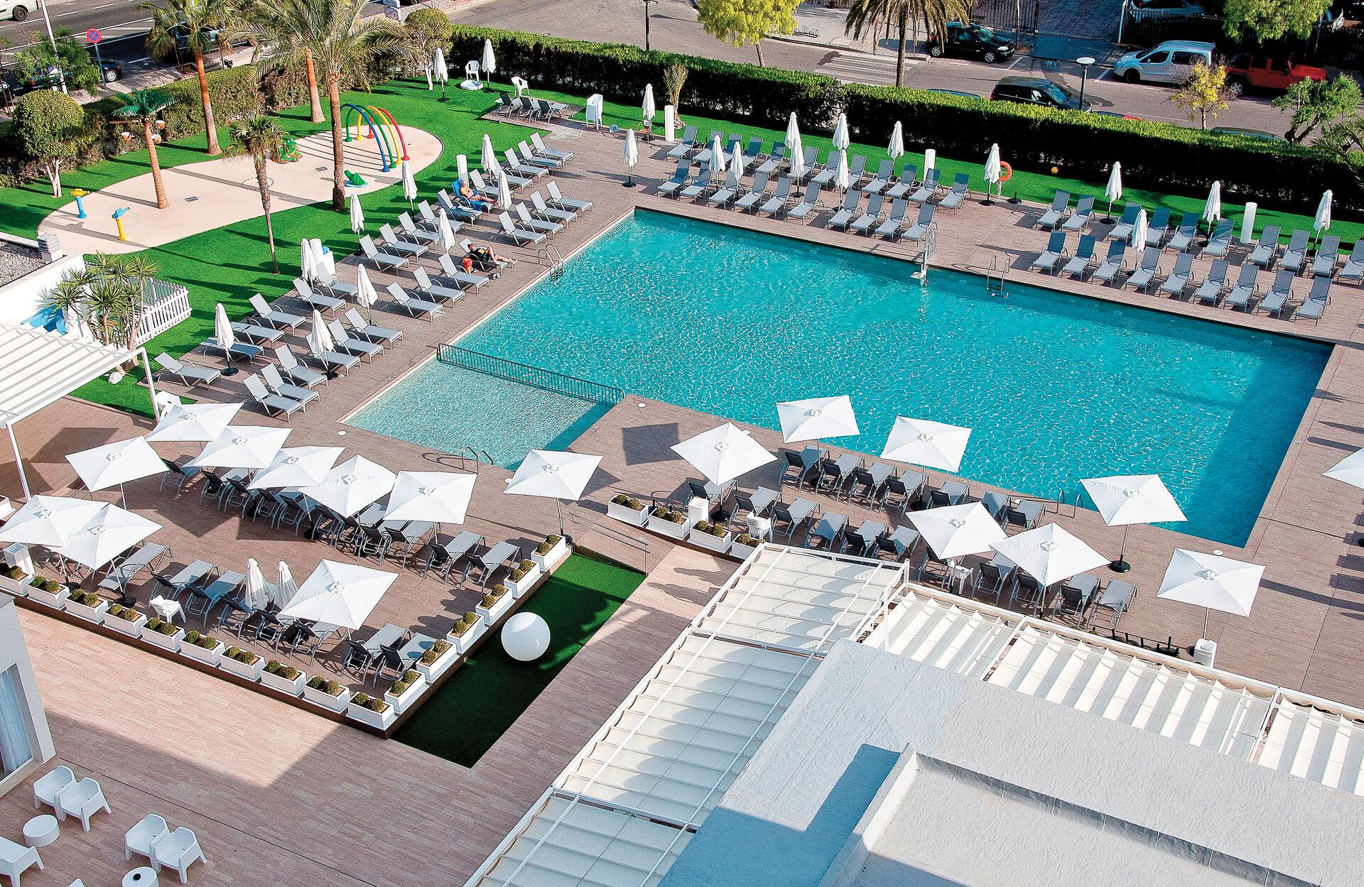 Pool in Ihrem 4-Sterne Hotel BQ Delfin Azul