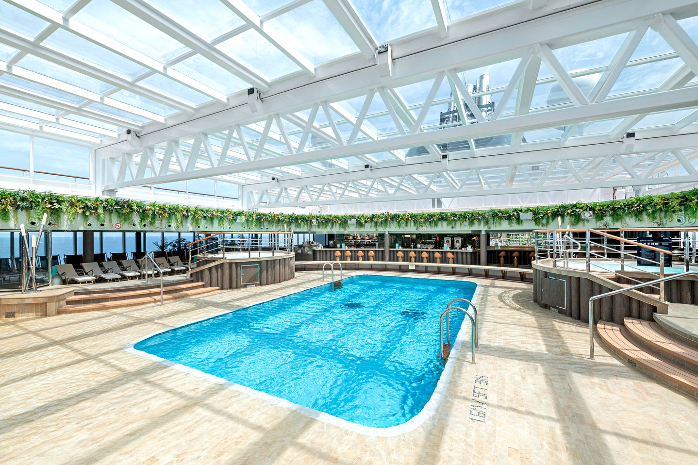 MSC Seaview-Jungle Pool Lounge