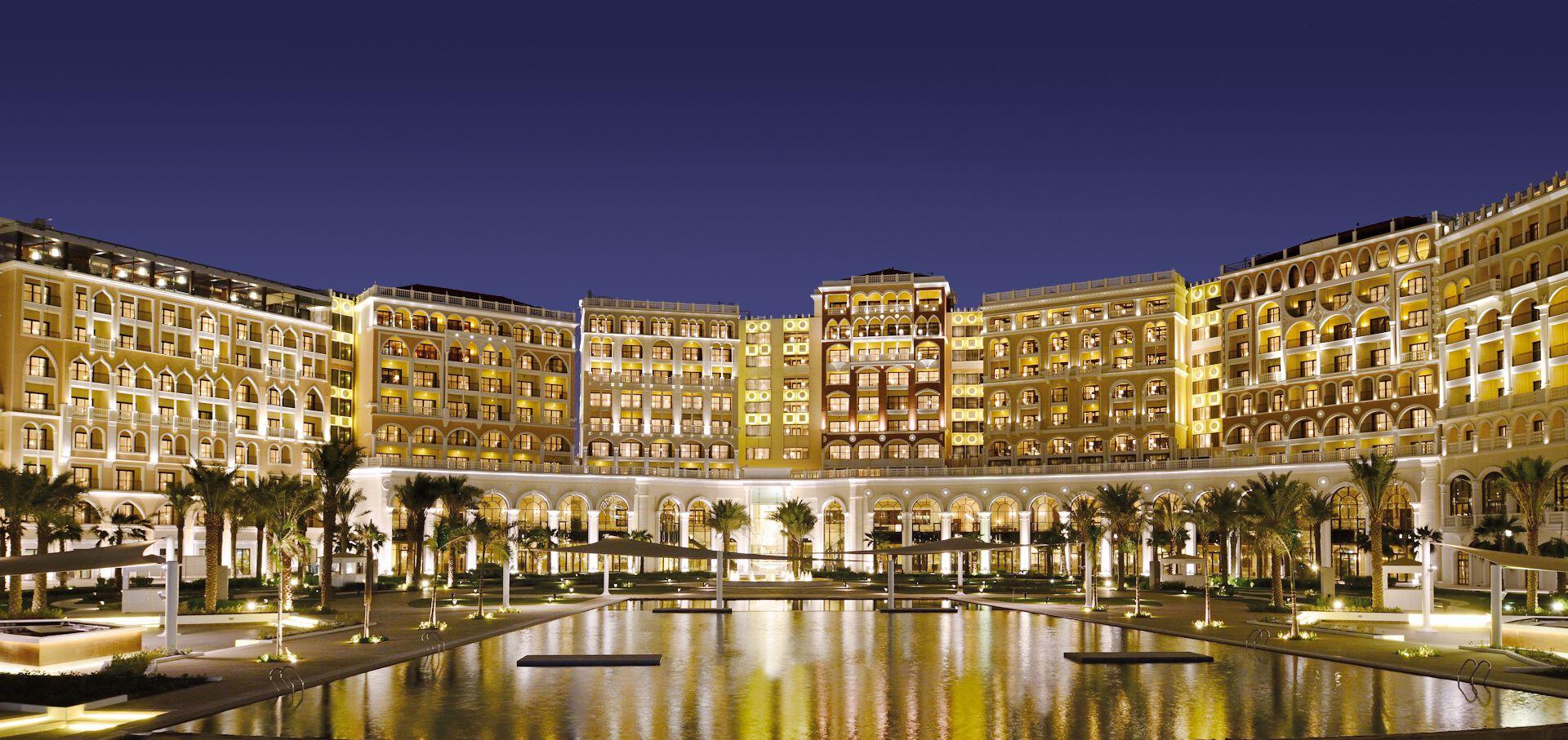 The Ritz-Carlton Abu Dhabi, Grand Canal - 5*