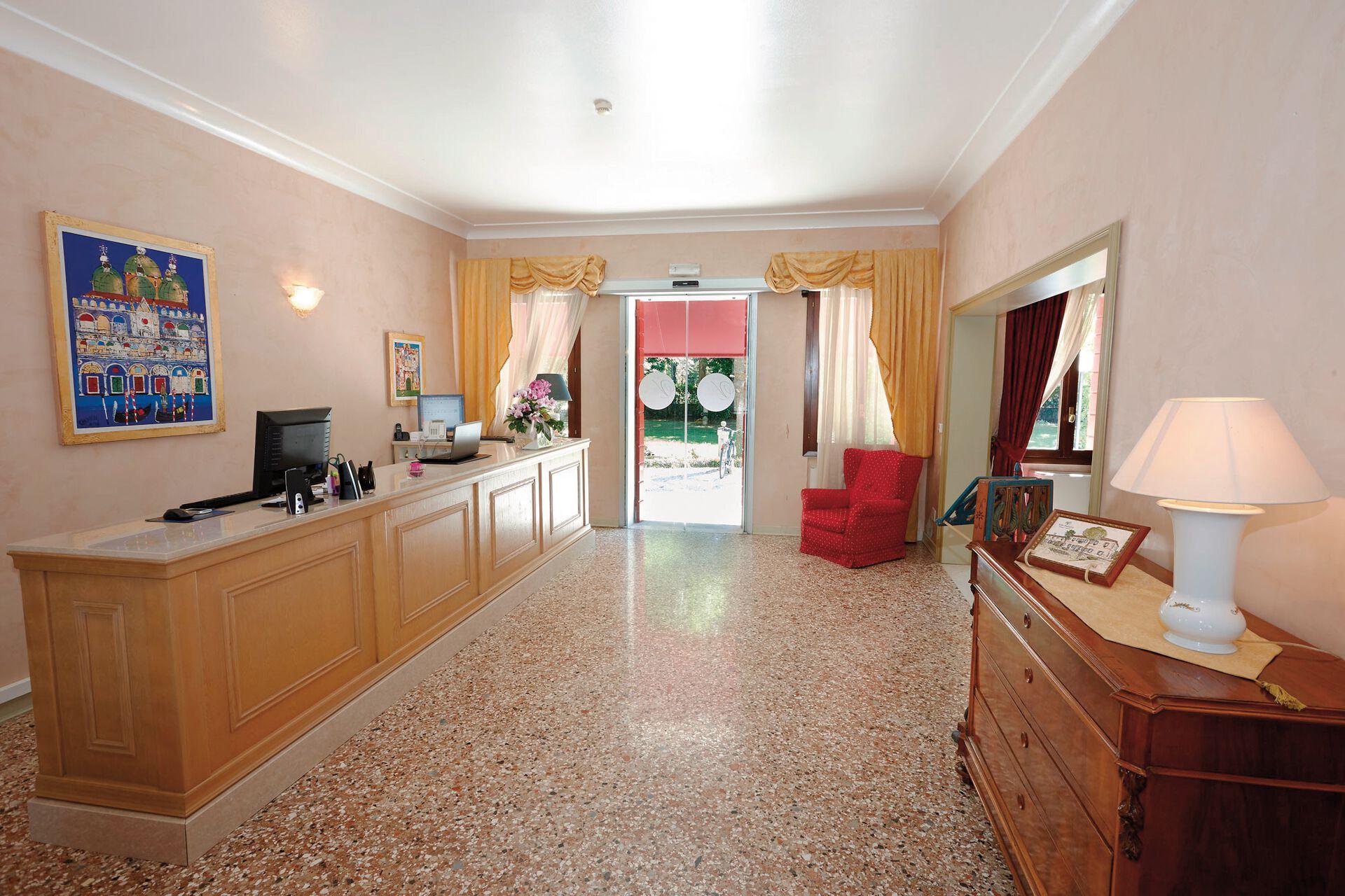 Eingang in Ihrem 4-Sterne-Hotel Villa Patriarca
