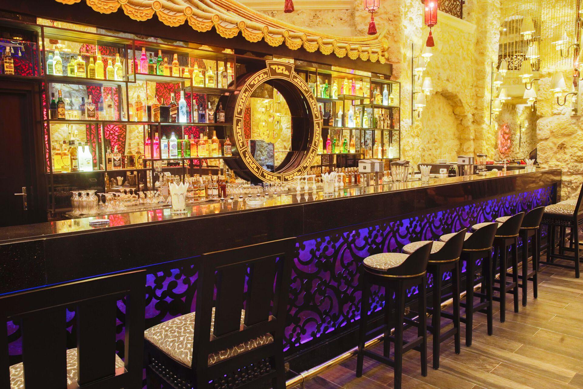 Bar in Ihrem 5-Sterne Albatros Citadel Resort