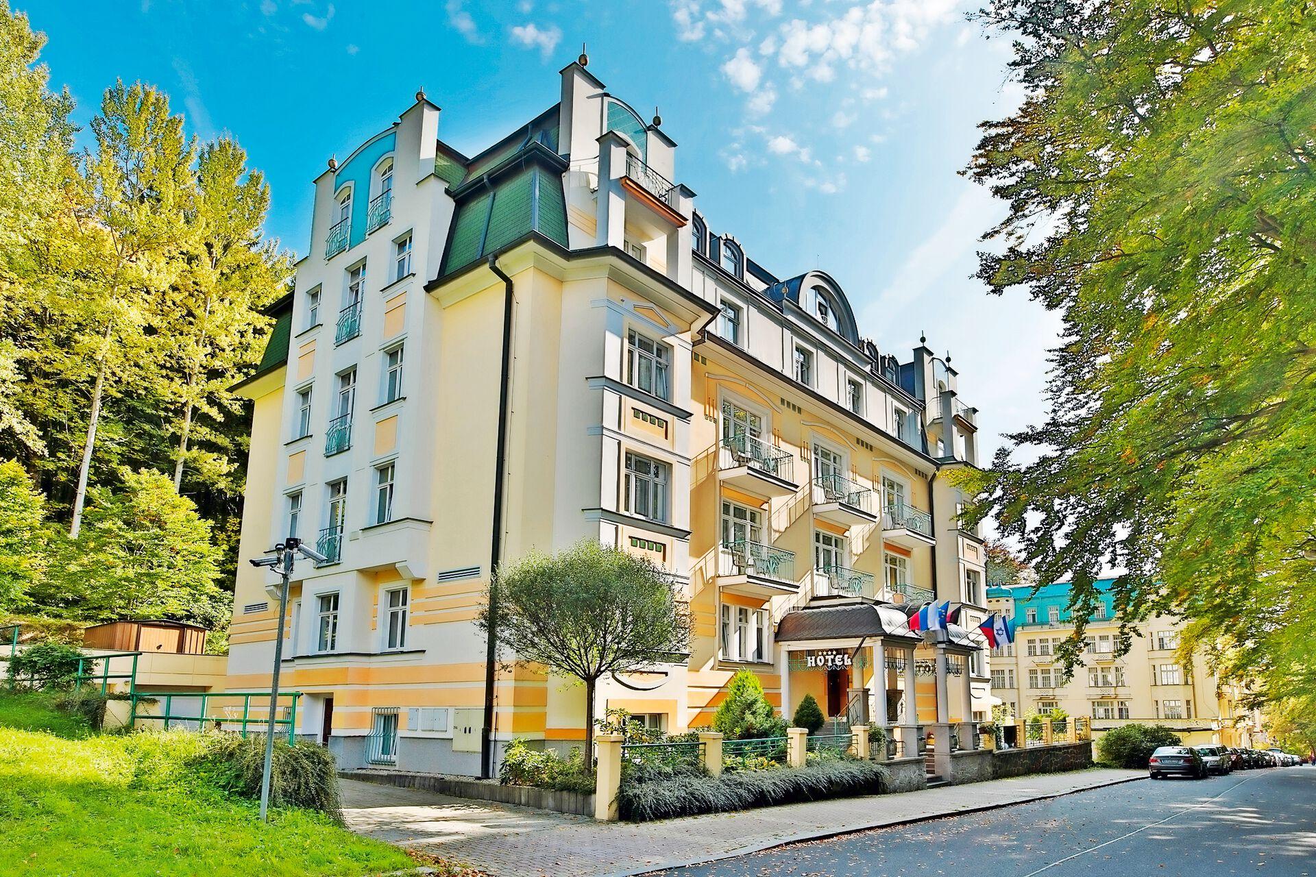Ihr 4 Sterne Villa Savoy Spa Park Hotel