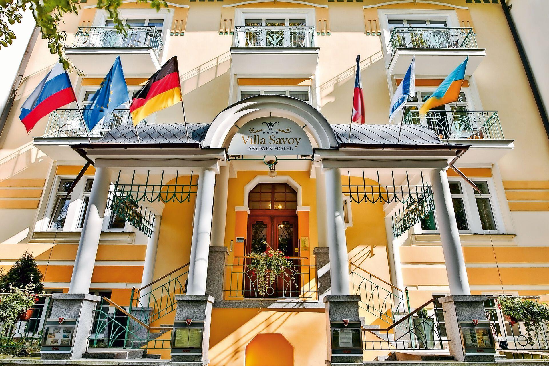 Herzlich Willkommen in Ihrem 4 Sterne Villa Savoy Spa Park Hotel