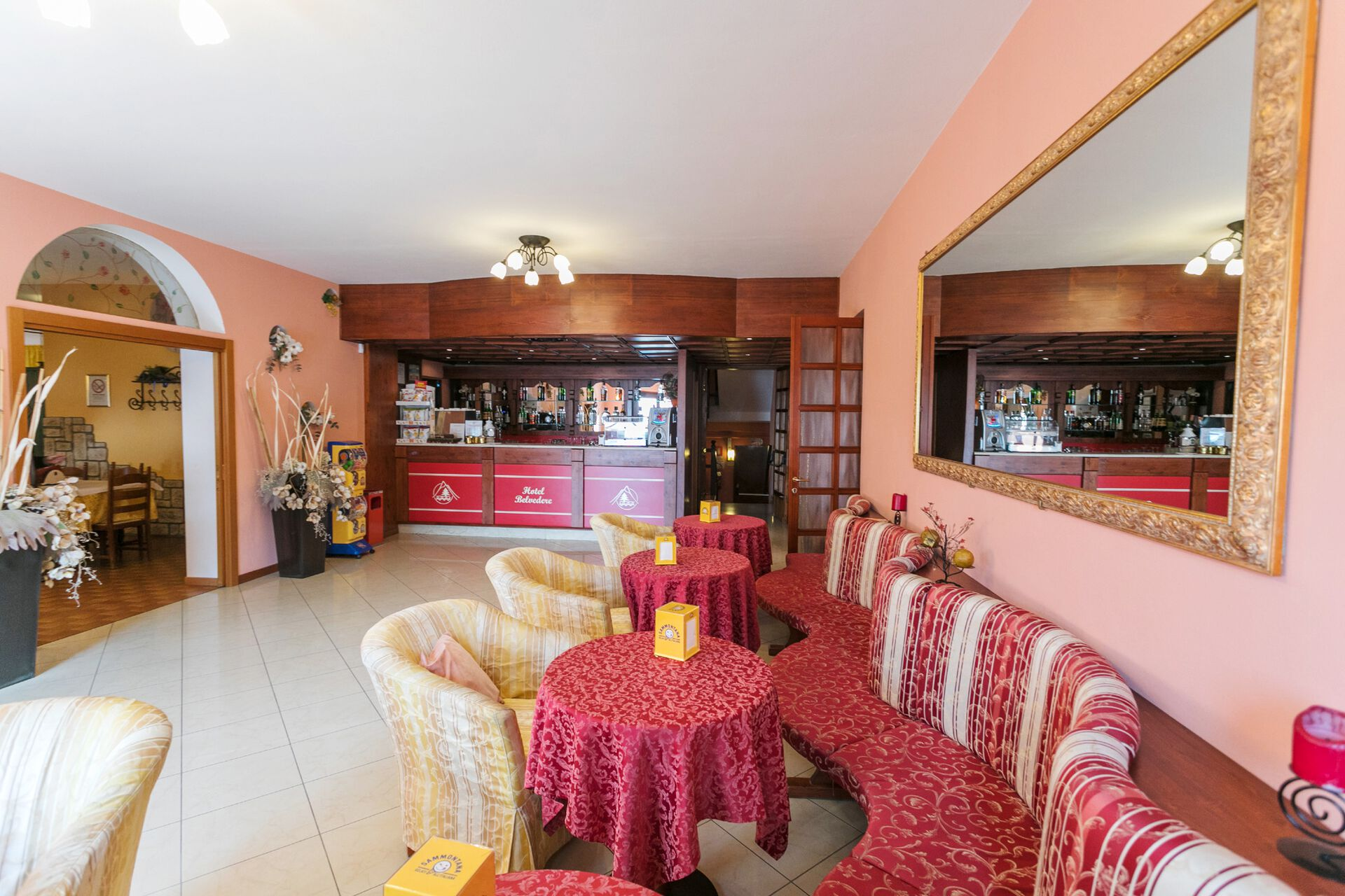 Bar in Ihrem 3-Sterne-Hotel Belvedere