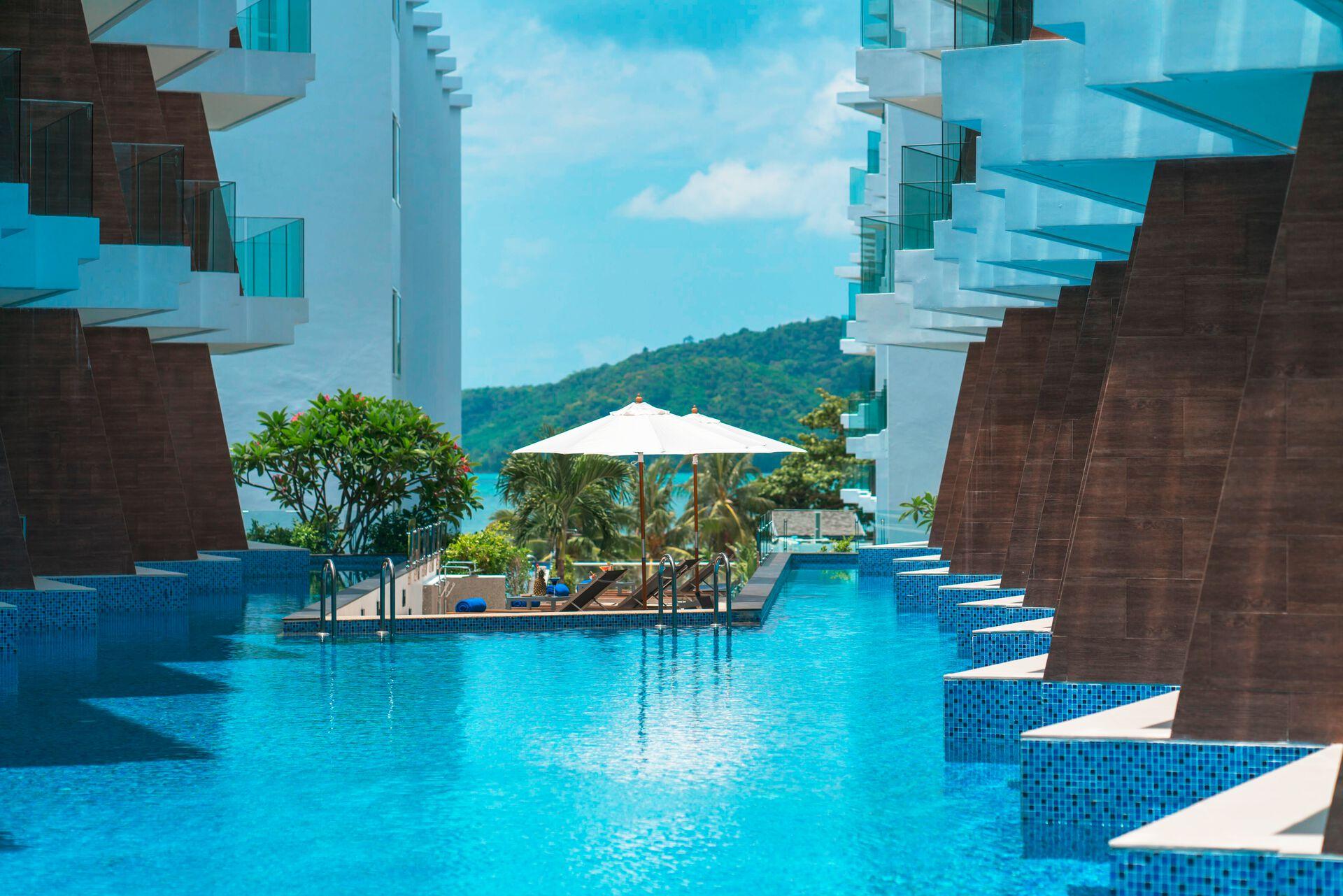 The Beachfront Hotel Phuket - 4*