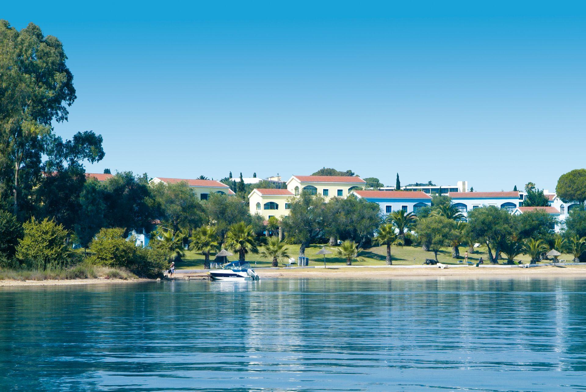 Grèce - Iles grecques - Corfou - Hôtel Govino Bay 3*
