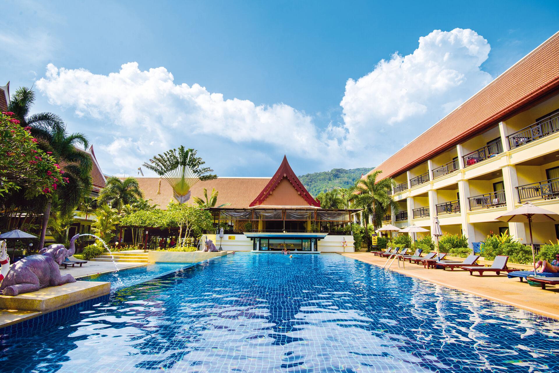 Deevana Patong Resort & Spa - chambre double supérieure côté jardin