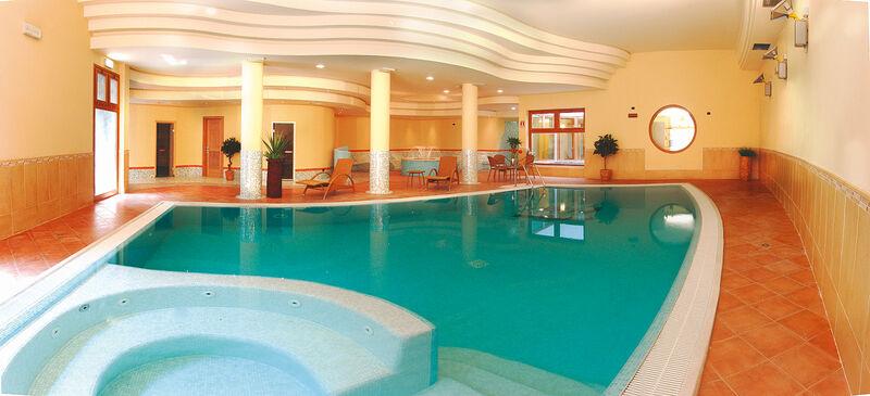 Hallenbad in Ihrem 4-Sterne-Active Hotel Paradiso & Golf