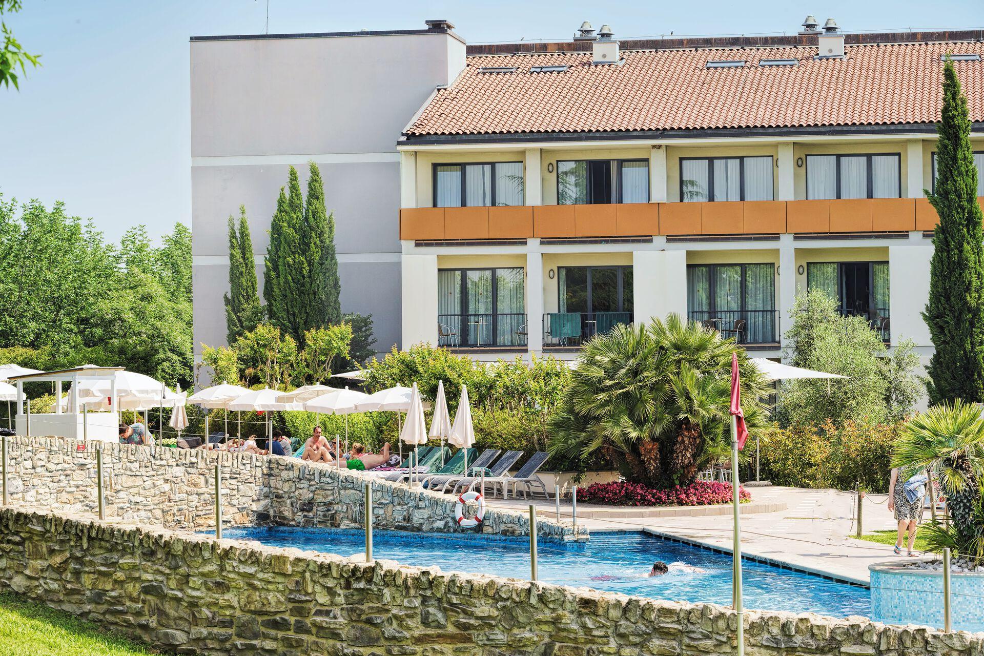 Pool in Ihrem 4-Sterne-Parc Hotel