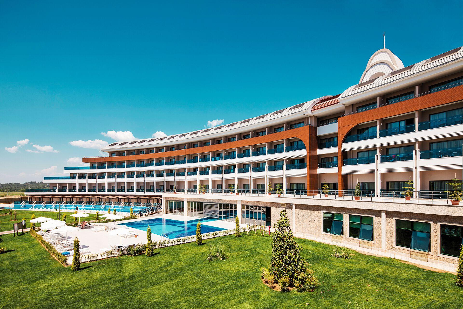 Jacaranda Side Hotel