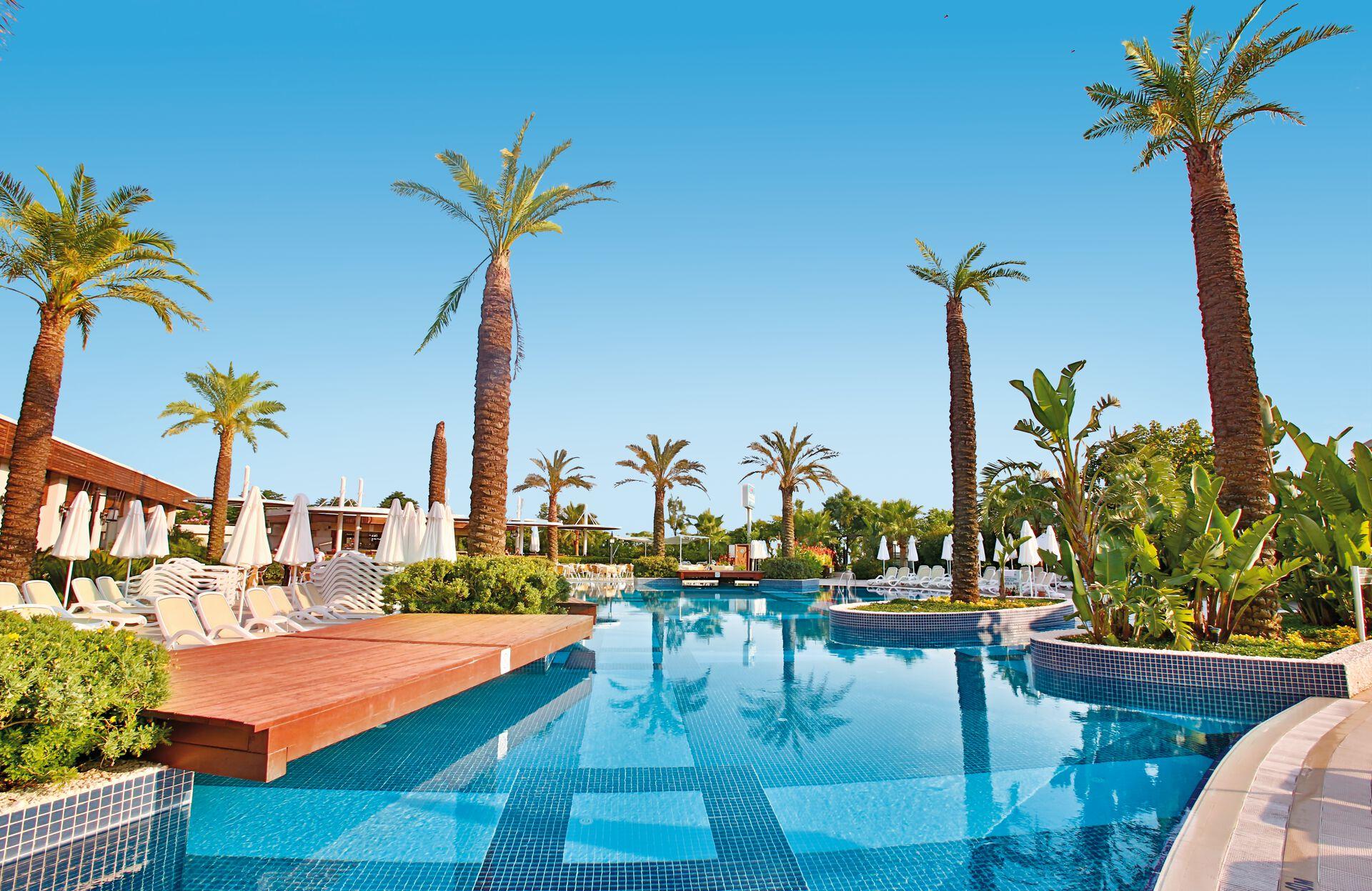 Sunis Evren Beach Resort & Spa - 5*