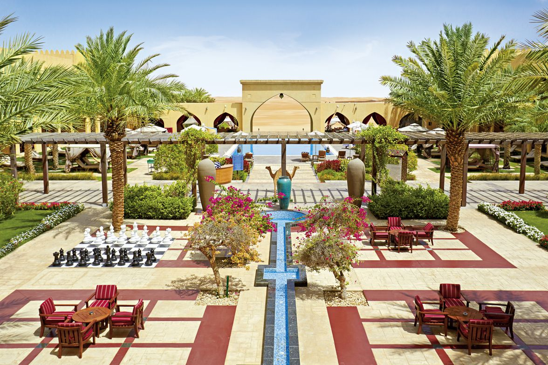 Tilal Liwa Hotel - 4*